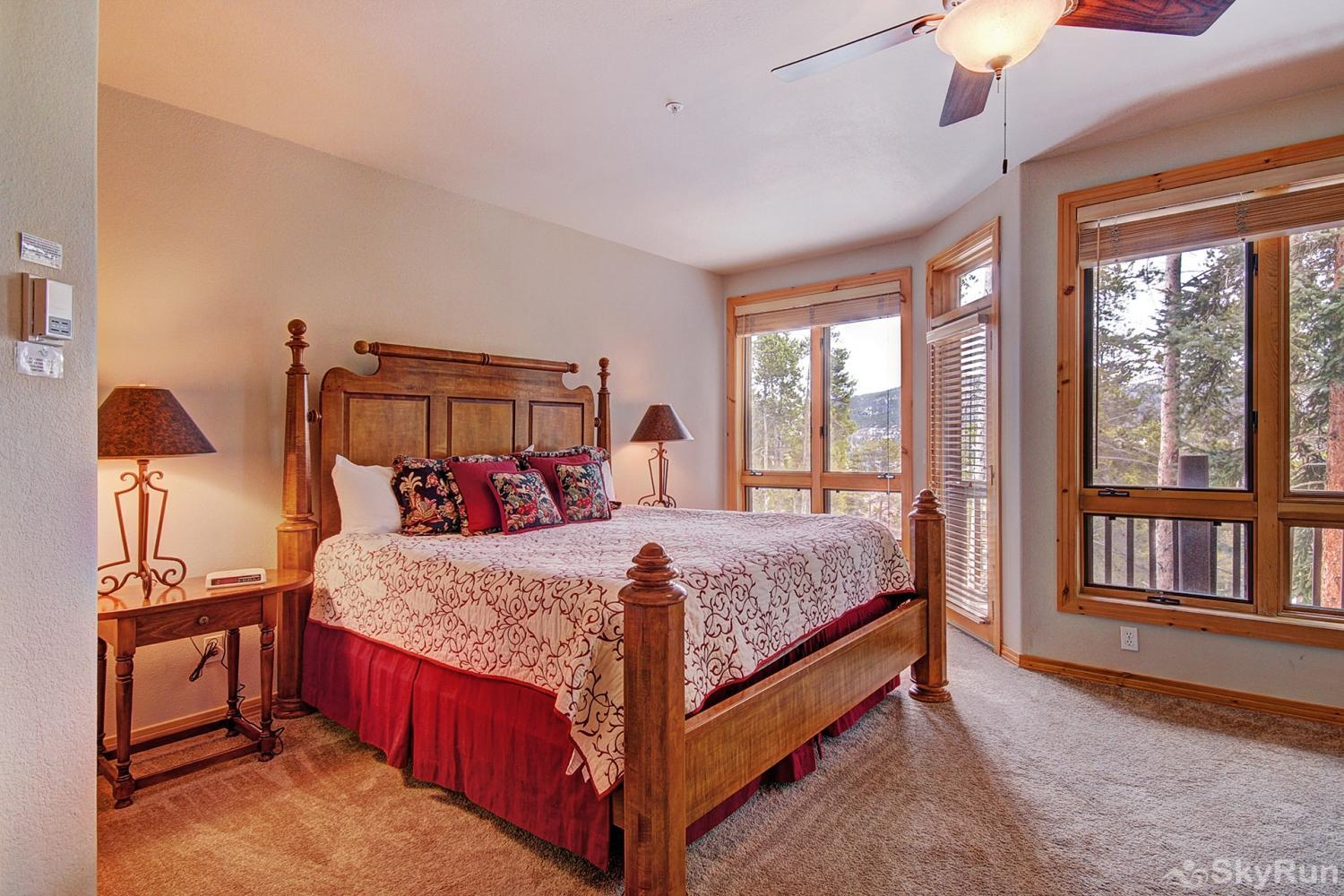 Elk Ridge 406 Luxurious king master suite with ensuite bath and private deck