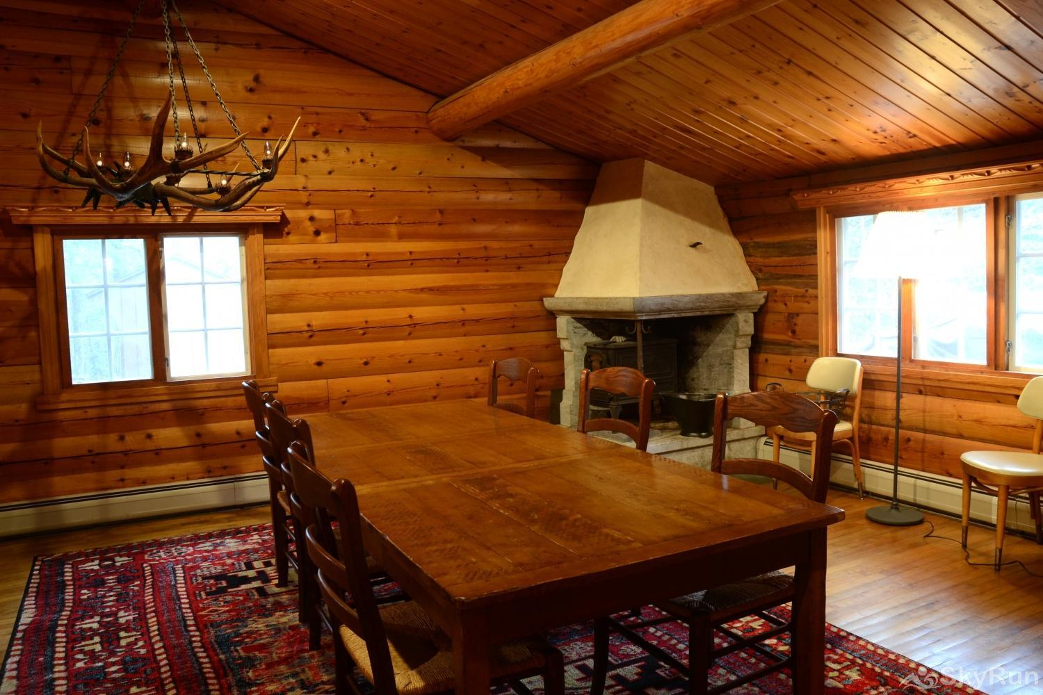 Norwegian Lane House Large dining area open to kitchen