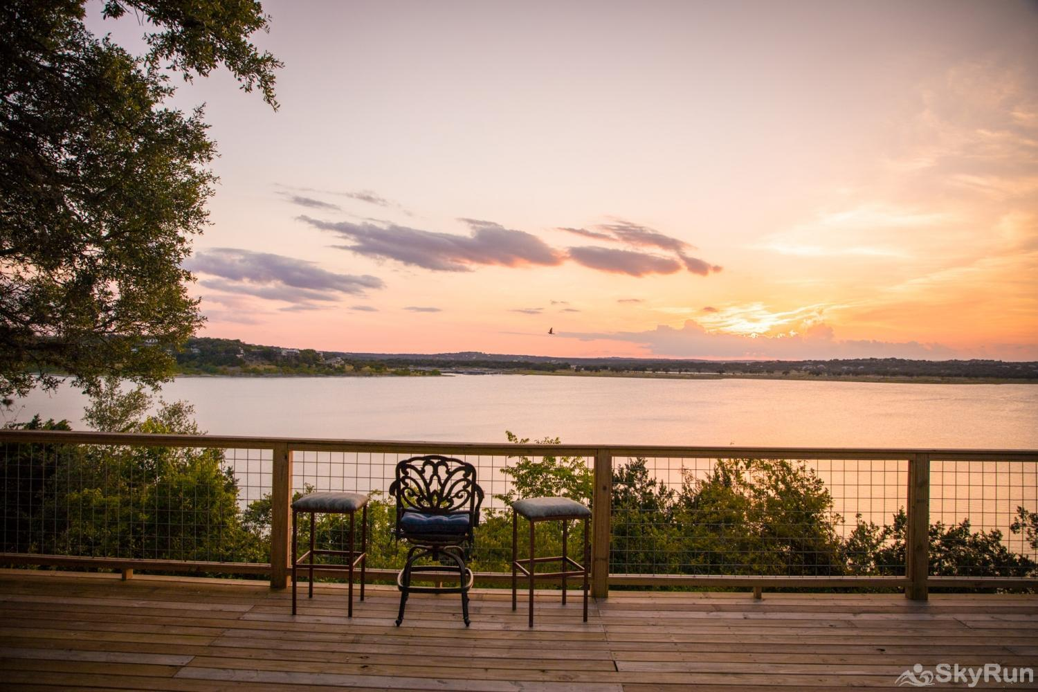 ANCHORS AWAY Book your Canyon Lake Vacation with SkyRun Vacation Rentals Today!
