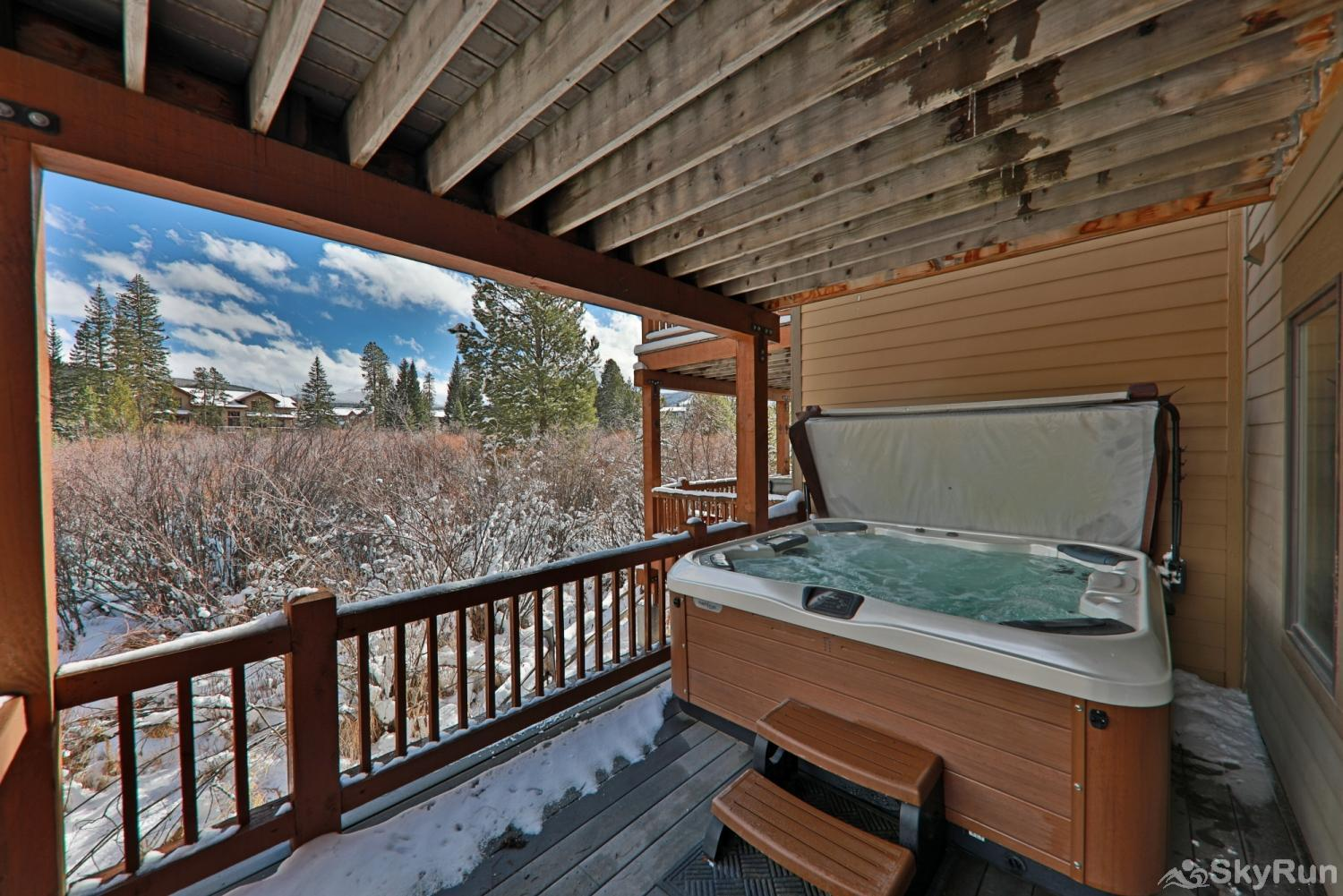 102 Willows Way Hottub on Bottom deck off of bedroom #3