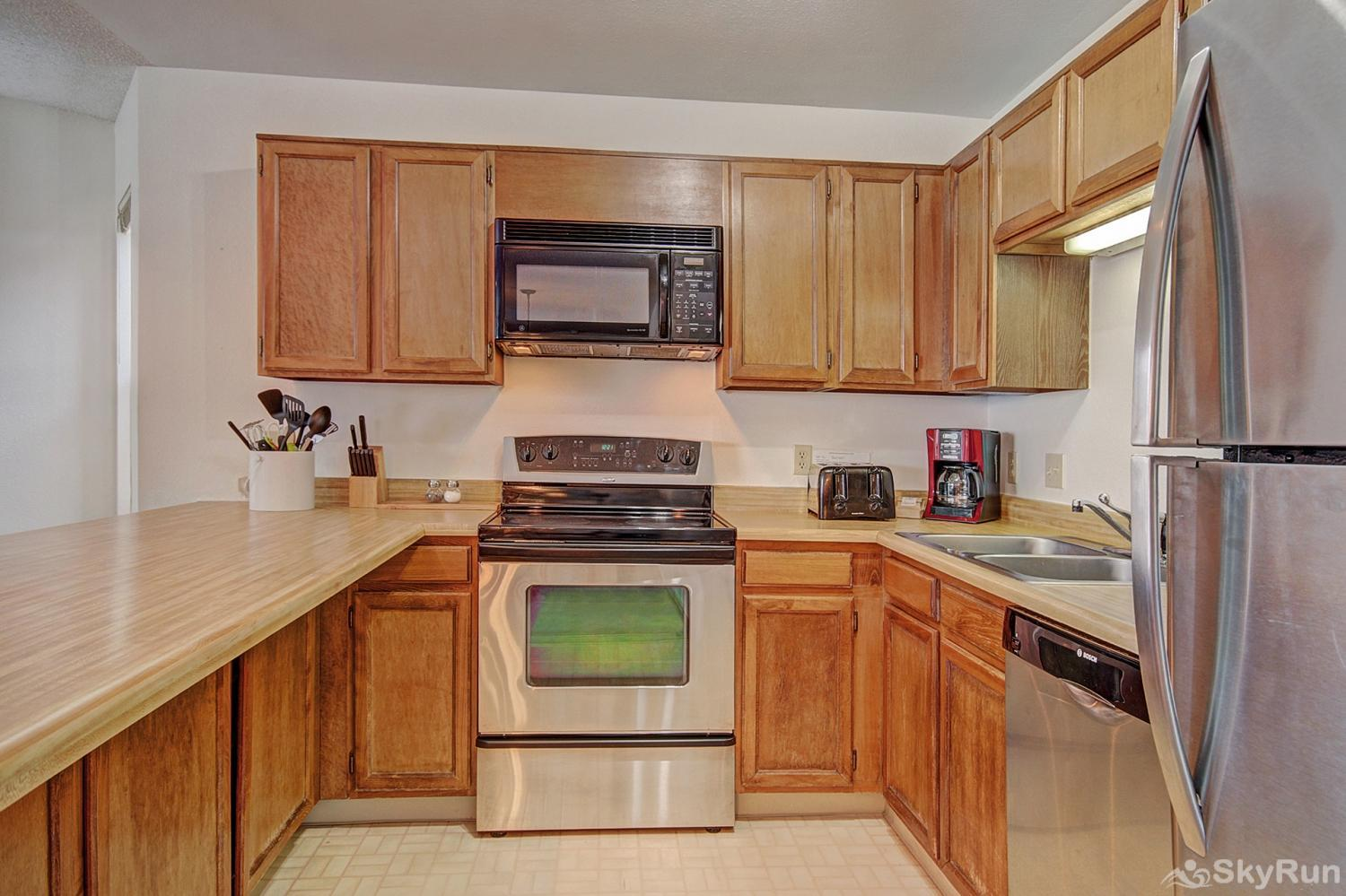 Tyra Summit A2F Fully upgraded kitchen with stainless steel appliances