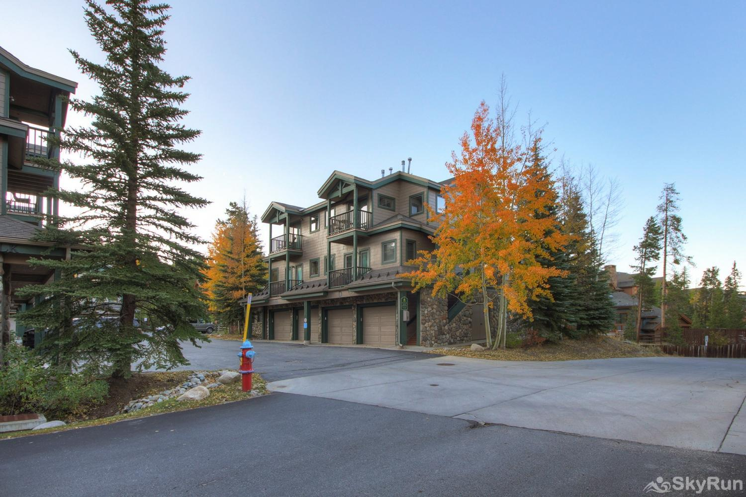 Twin Elk Lodge D16 Street view of Twin Elk Condominiums