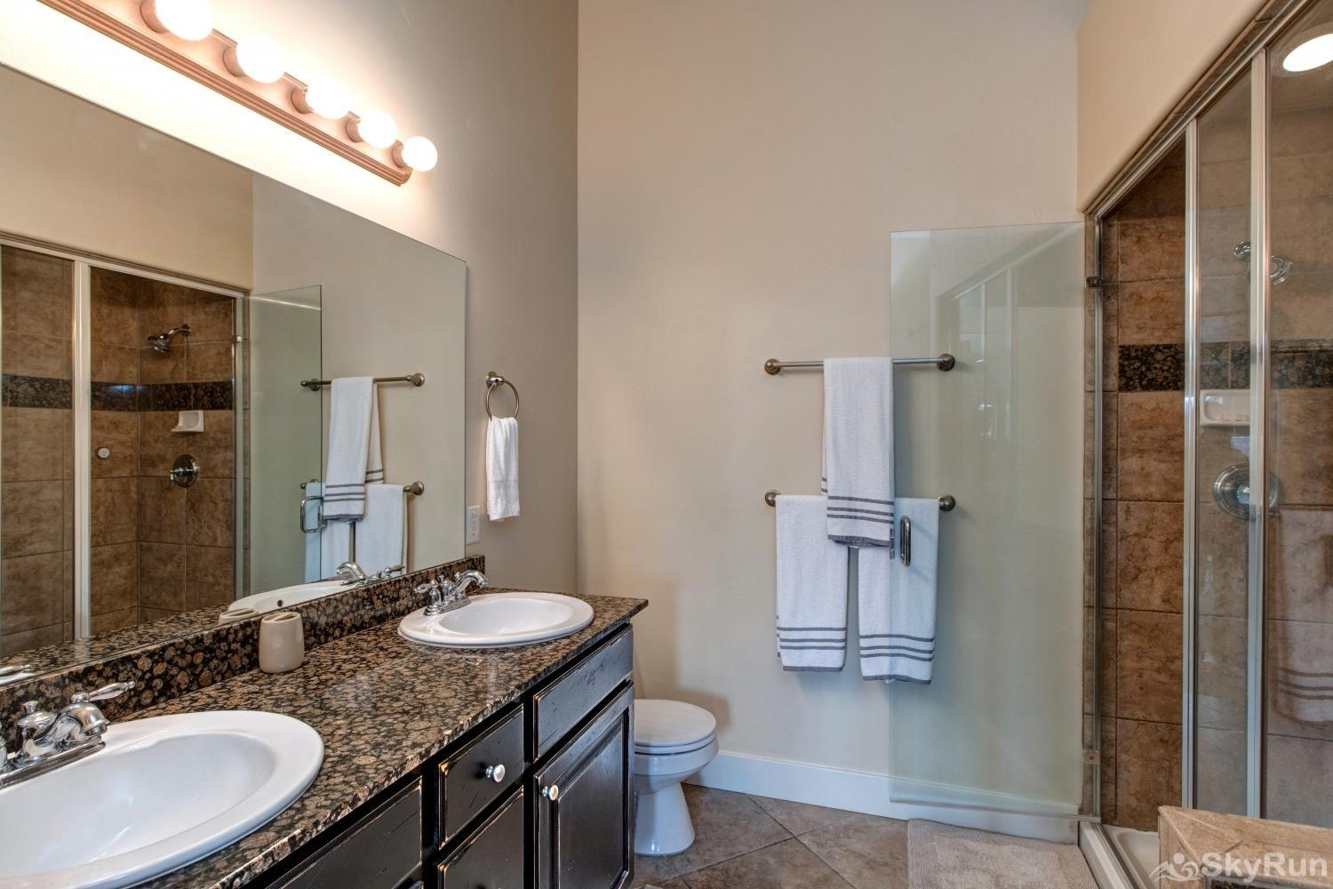 Luge Lane Luxury 5452 Ensuite Master Bath