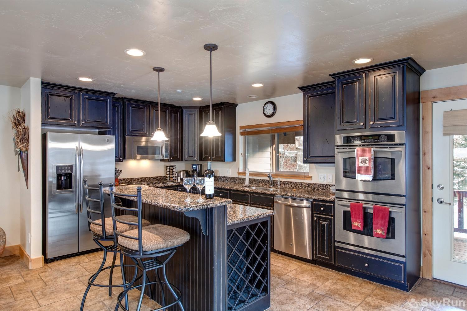 Luge Lane Luxury 5452 Stainless Steel Appliances Kitchen