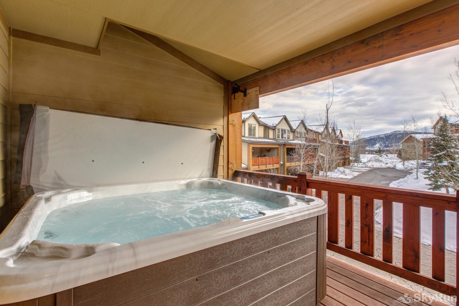 Luge Lane Luxury 5452 Relaxing Private Hot Tub