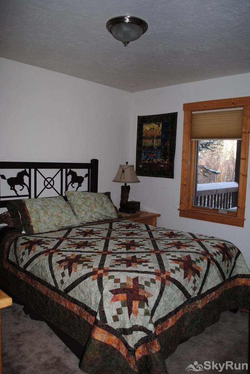 104 Willows Way Bedroom with Queen Bed