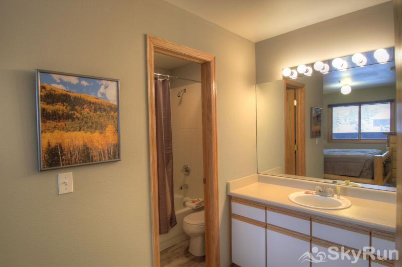 C213 Cinnamon Ridge Master Bathroom