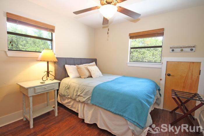 HILLTOP HIDEAWAY AND BUNKHOUSE COMBO Second Bedroom with Queen Bed