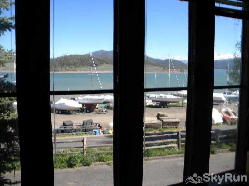 A208 Lake Cliffe Condos  2BR 2BA Lake & Mountain Views from Living Room