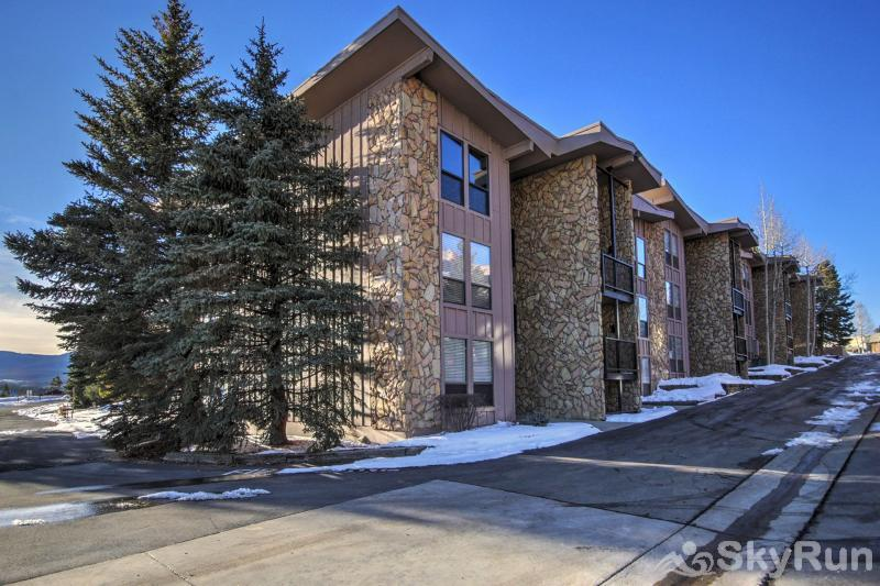 A208 Lake Cliffe Condos  2BR 2BA Exterior view