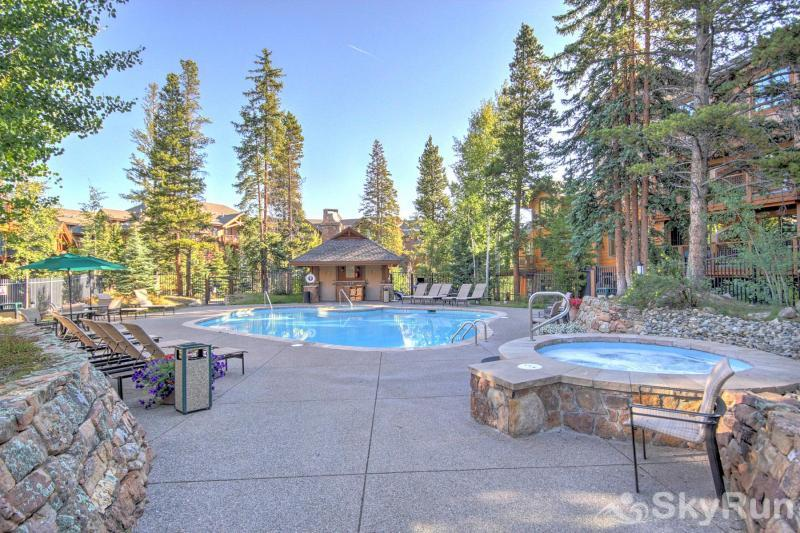 Breck Ski Chalet at Mountain Thunder Outdoor Pool/Hot Tub