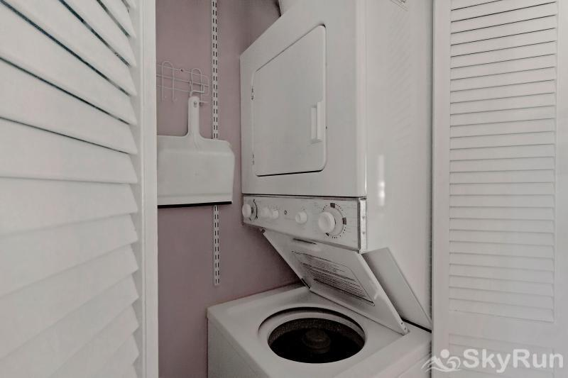 Love Me 1037 Washer/Dryer in unit!
