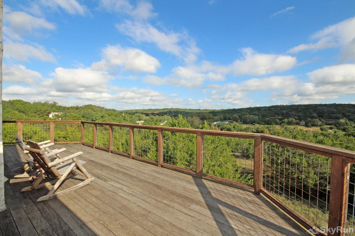 STAR HOUSE Deck Overlooking Wimberley Hillside