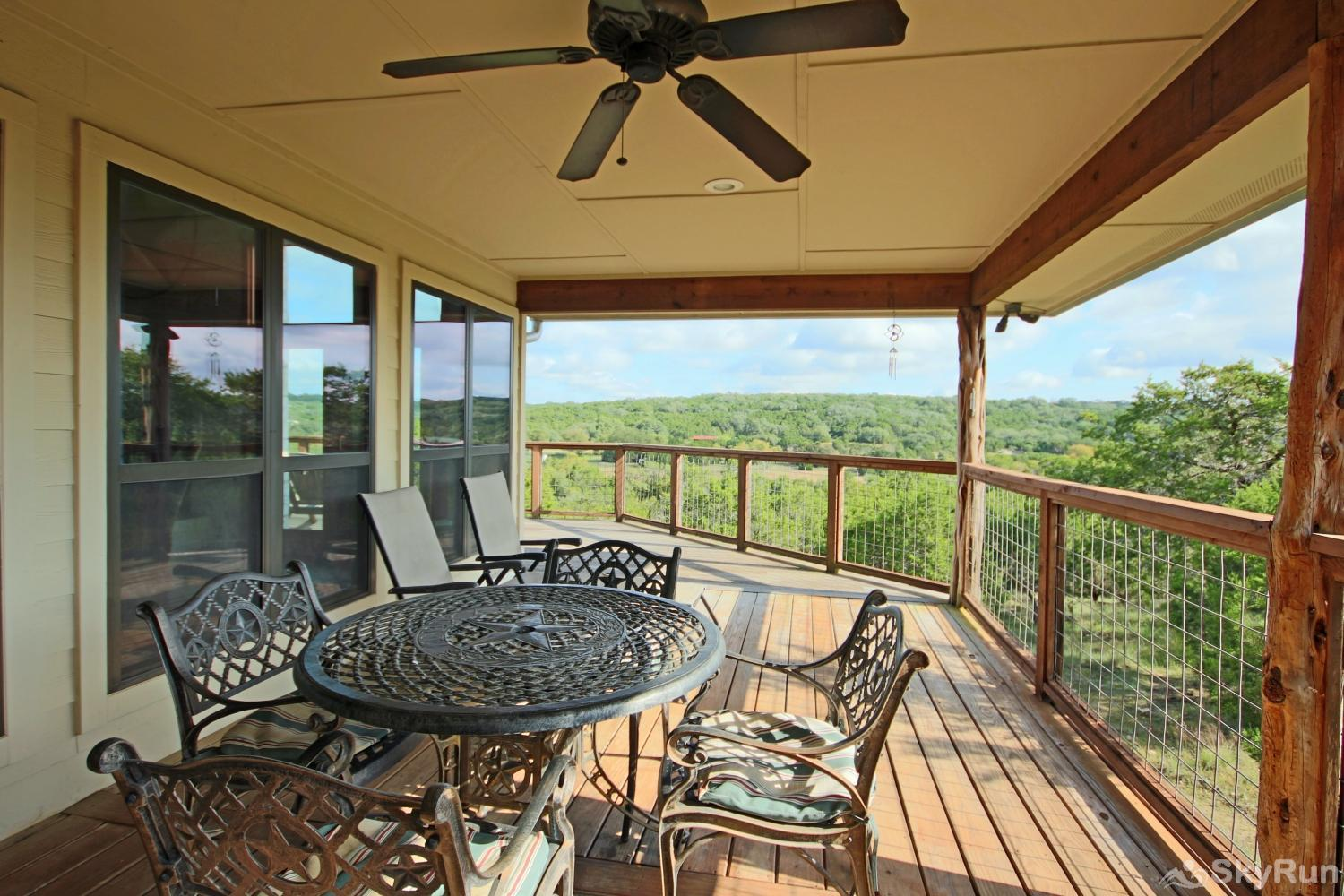 STAR HOUSE Book your Wimberley getaway today!