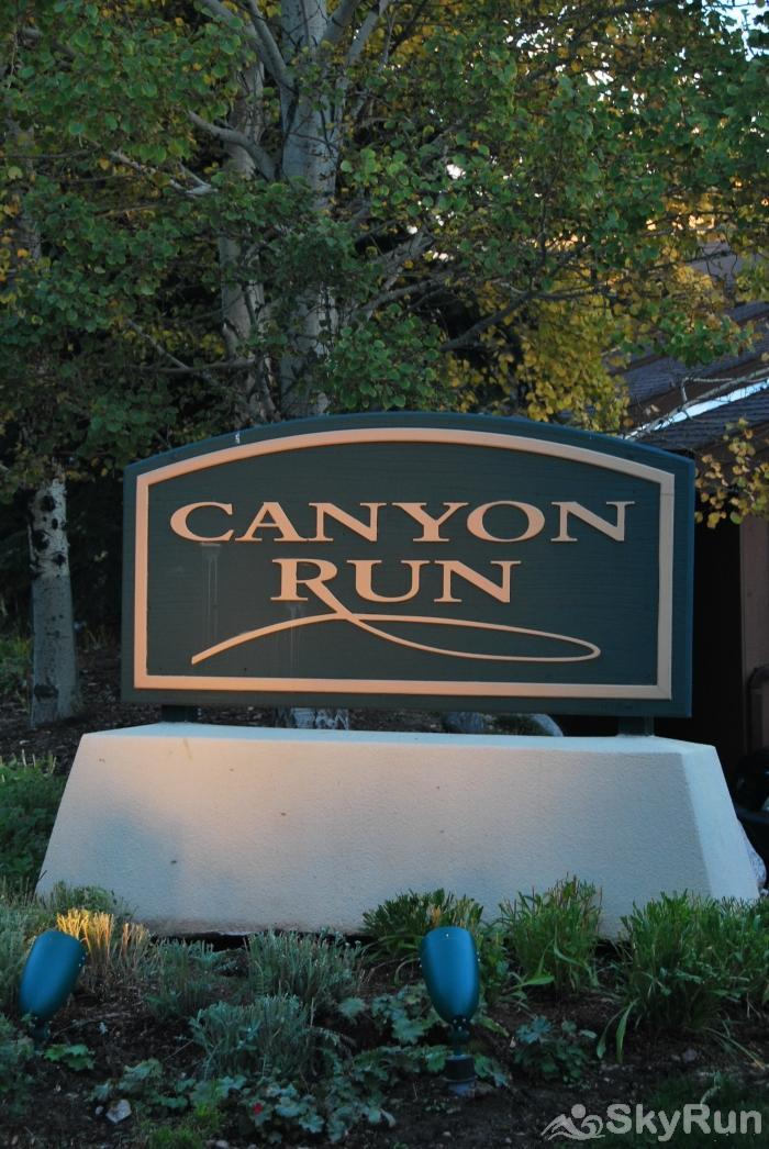 Canyon Run Townhome Mountain Modern Living Front Signange