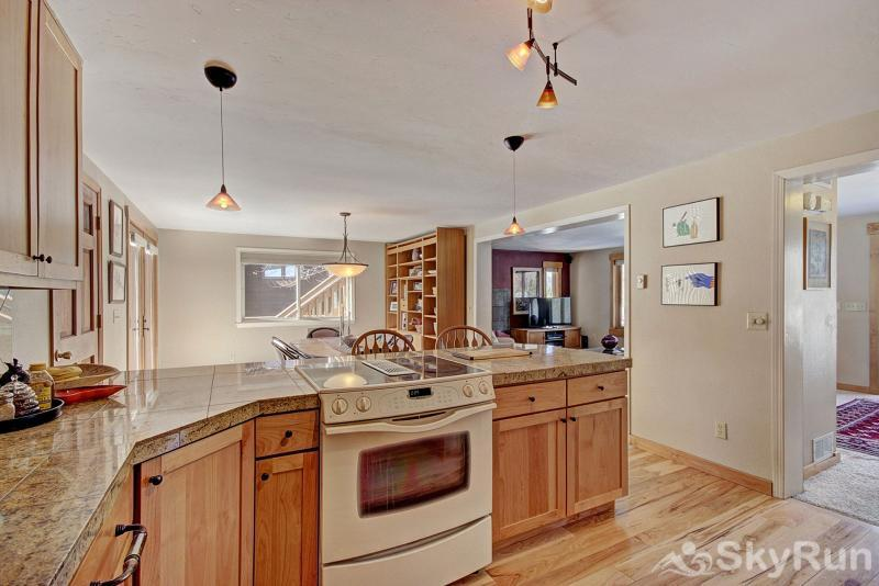 1250 Willow Grove Full kitchen